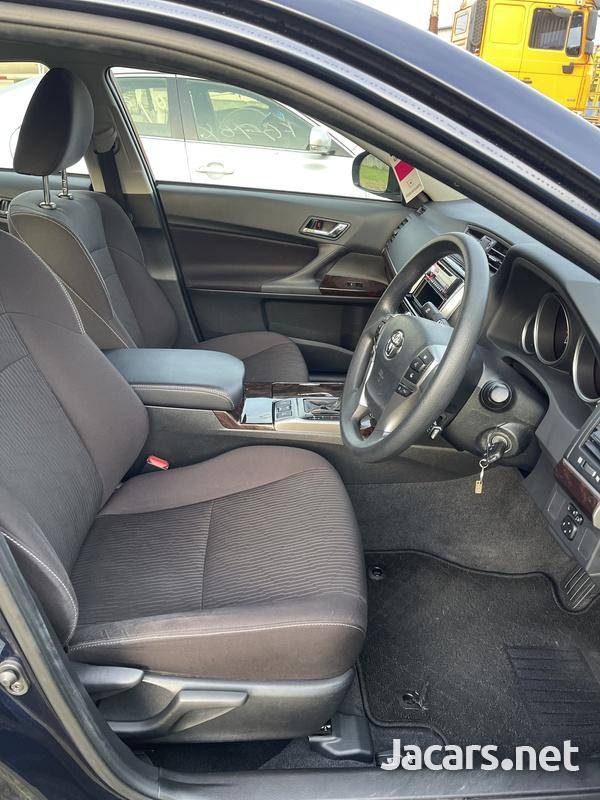 Toyota Mark X 2,5L 2018-8