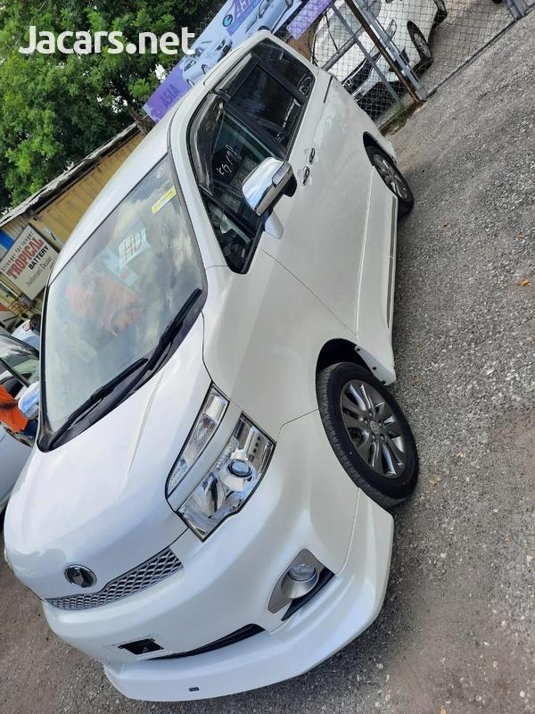 Toyota Voxy 2,0L 2012-11