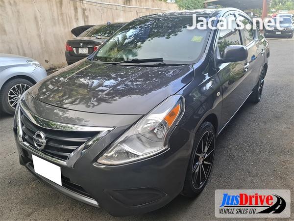 Nissan Versa 1,6L 2015-3