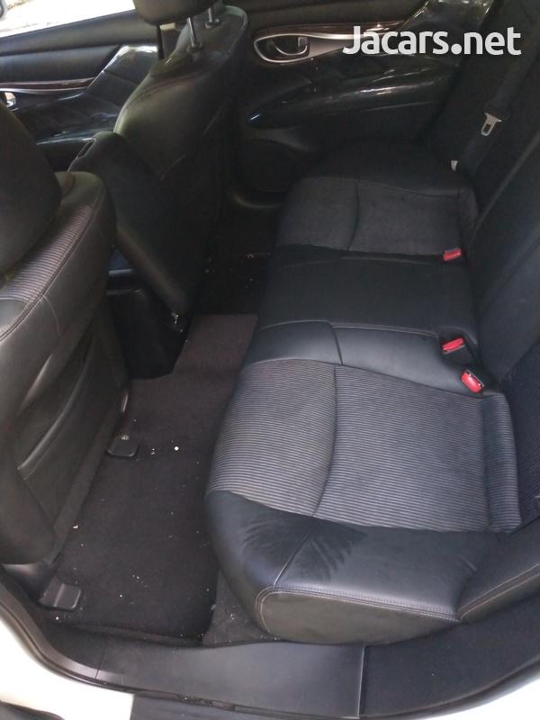 Nissan Fuga 3,7L 2011-12