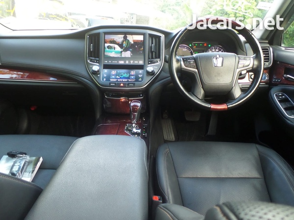 Toyota Crown 3,5L 2015-4