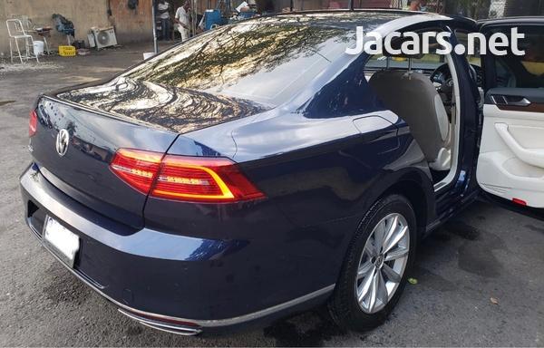 Volkswagen Passat 2,0L 2016-5