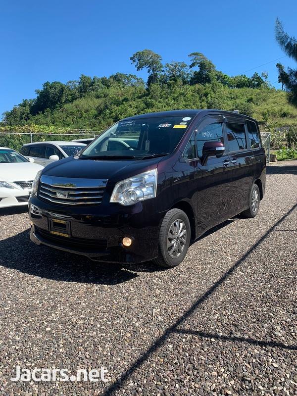 Toyota Noah 2,0L 2012-2