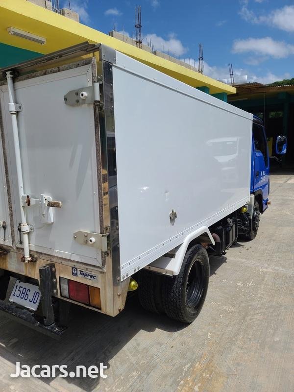 Isuzu Box Body Truck 3,5L 2012-3