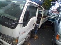 2013 Elf Crane Truck