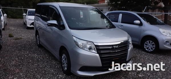 Toyota Noah 1,8L 2016-3