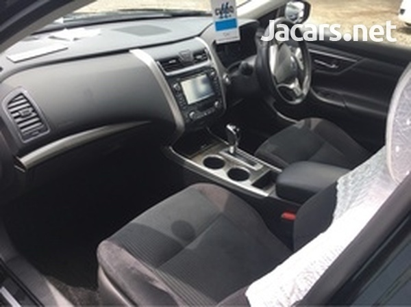 Nissan Teana 2,5L 2015-4