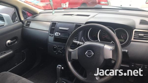 Nissan Tiida 1,3L 2010-8