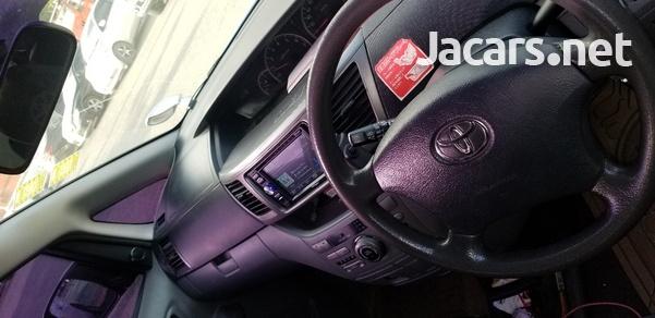 Toyota Noah 2,0L 2006-4
