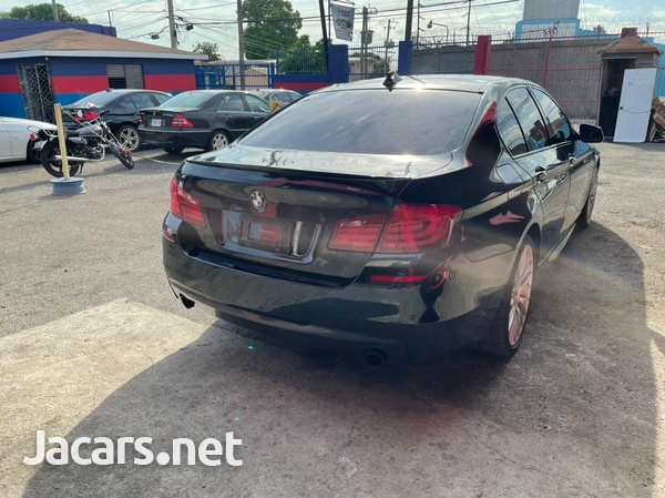 BMW 5-Series 3,5L 2011-4