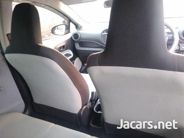 Toyota Aqua 1,5L 2013-7