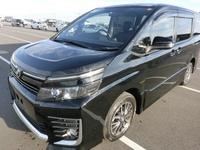 Toyota Voxy 1,9L 2014