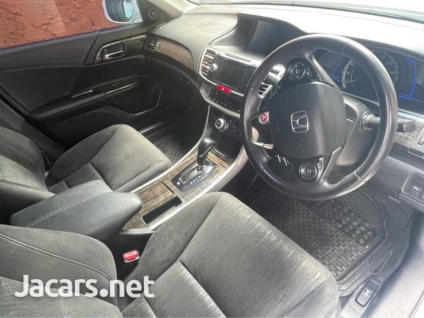 Honda Accord 2,5L 2013-5