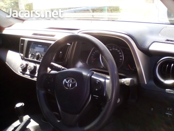 Toyota RAV4 2,0L 2013-9