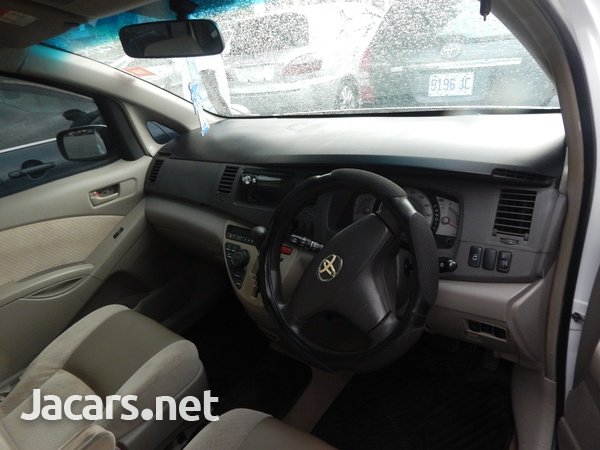 Toyota Isis 1,5L 2006-6