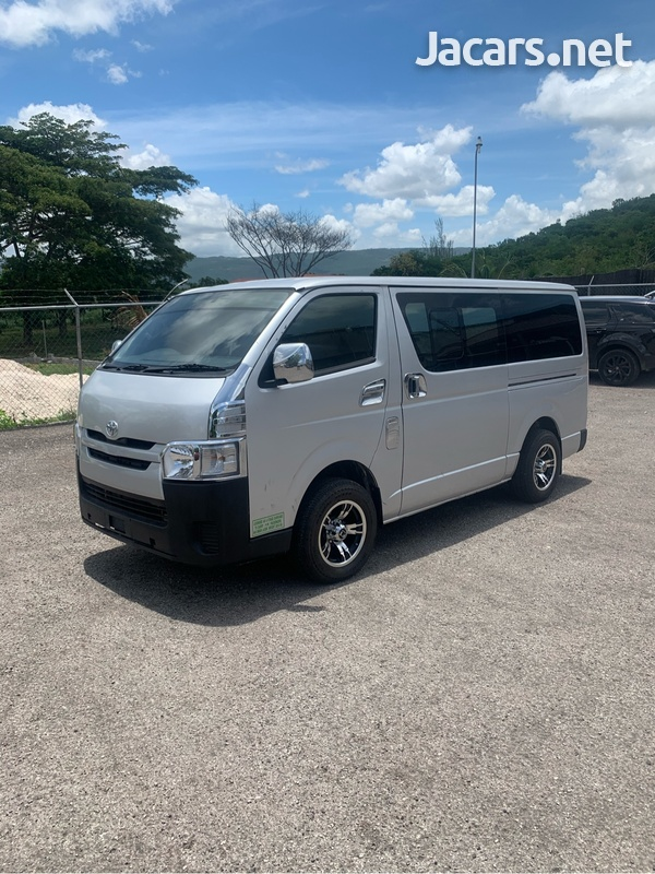 Toyota Hiace 3,0L 2017-3