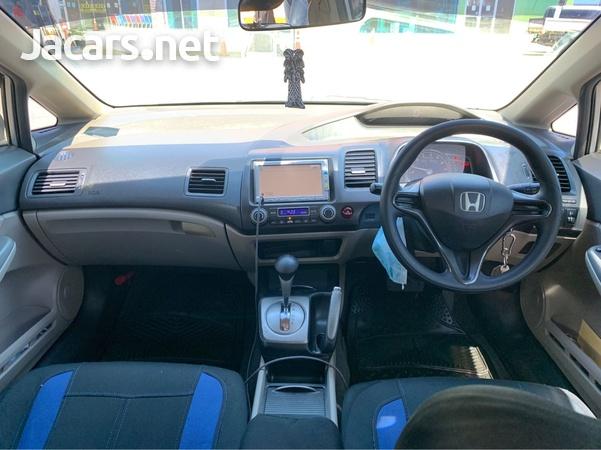 Honda Civic 1,3L 2010-5