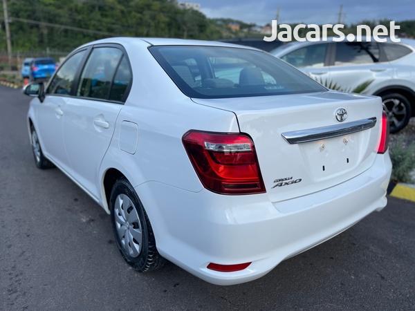 Toyota Axio 1,3L 2015-4