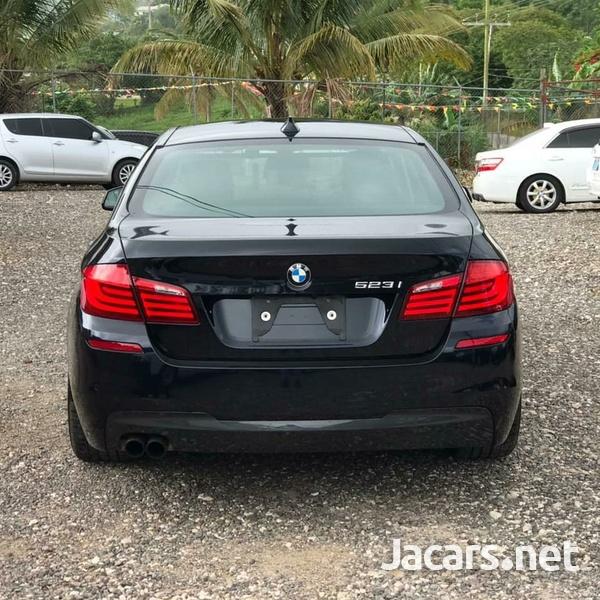 BMW 5-Series 2,3L 2013-4