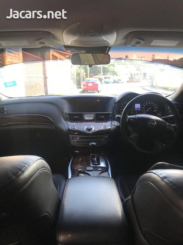 Nissan Fuga 2,5L 2012-7