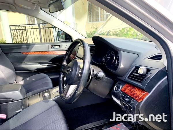 Subaru Legacy 2,5L 2010-5
