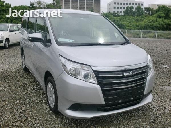 Toyota Noah 1,9L 2015-5