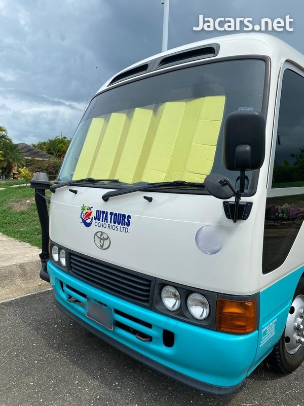 Toyota Coaster Bus 4,6L 2014-6