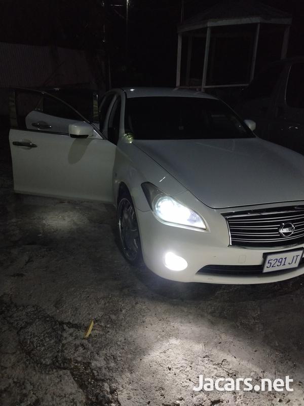 Nissan Fuga 3,7L 2011-1