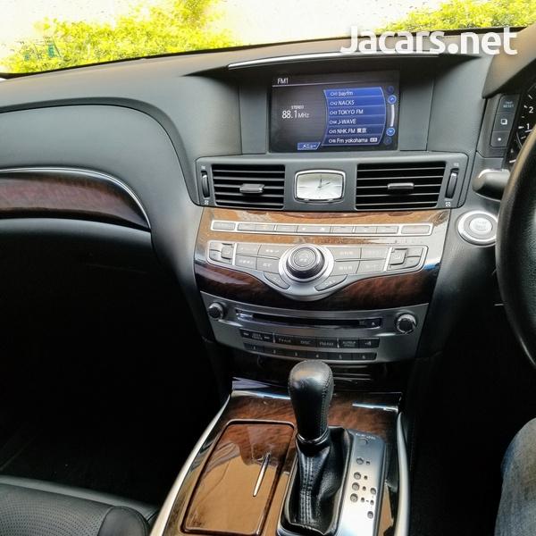 Nissan Fuga 2,5L 2012-8