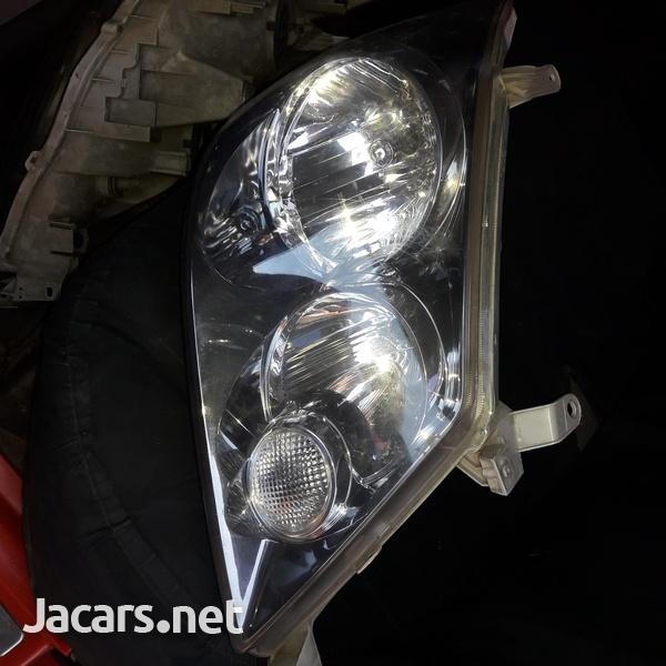 Toyota Fortune headlight-1