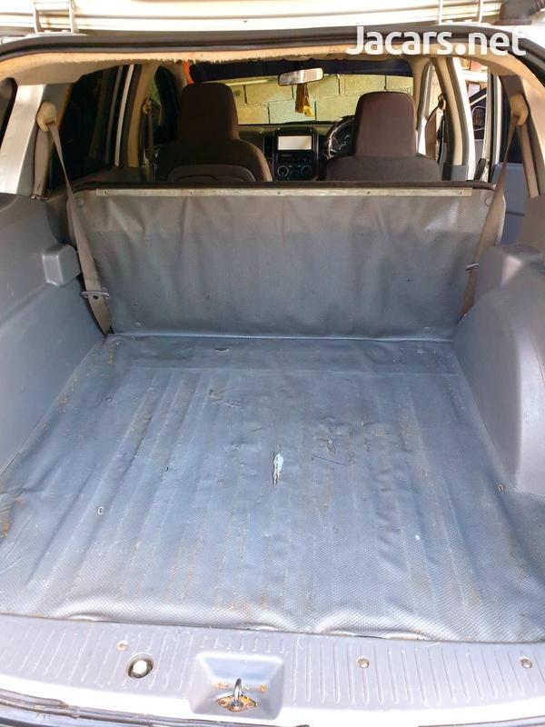 Nissan AD Wagon 1,5L 2010-7