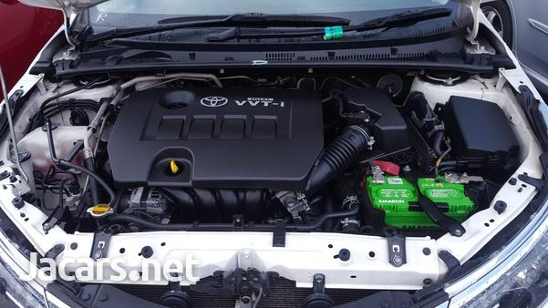 Toyota Corolla Altis 1,5L 2014-8
