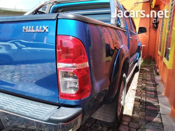 2014 Toyota Hilux SR-1