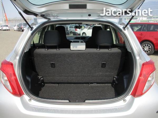 Toyota Vitz 1,5L 2014-6