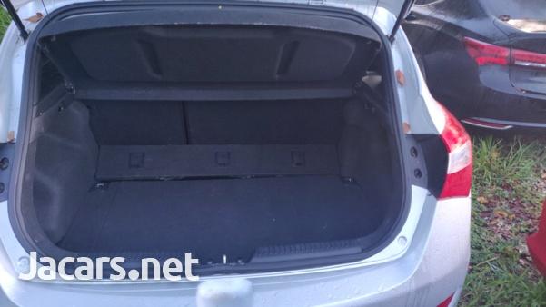 Hyundai Elantra 1,5L 2014-3