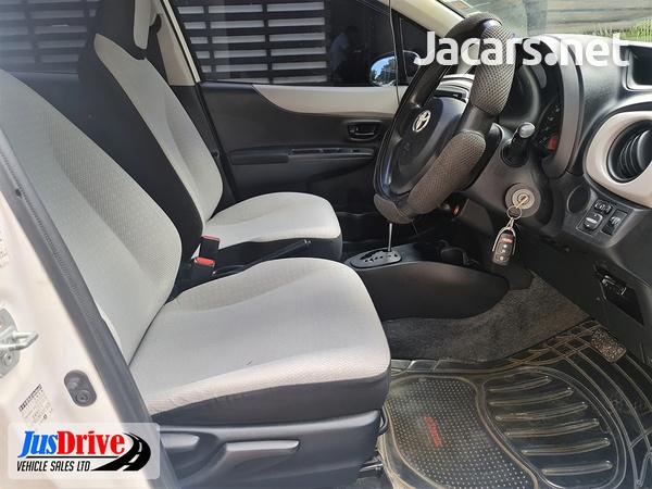 Toyota Vitz 1,4L 2012-7