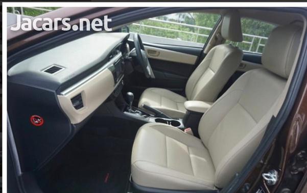 Toyota Corolla Altis 1,6L 2015-10