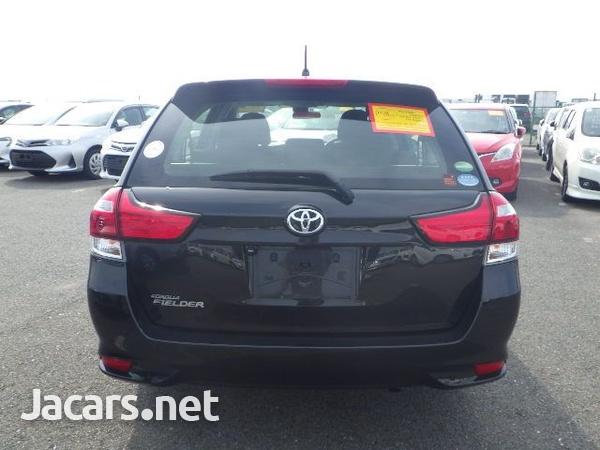 Toyota Fielder 1,5L 2017-12