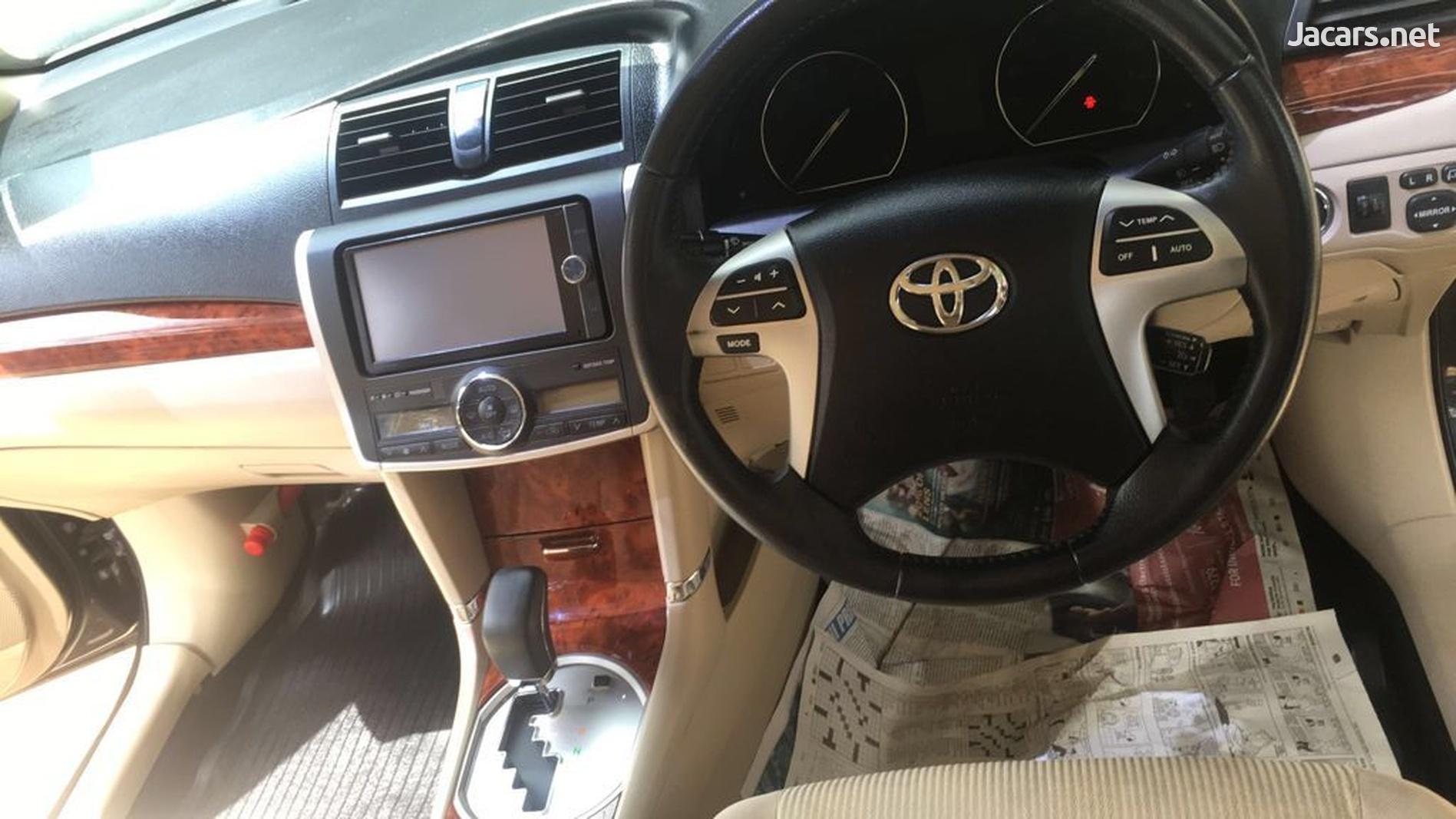 Toyota Premio 1,4L 2013-5