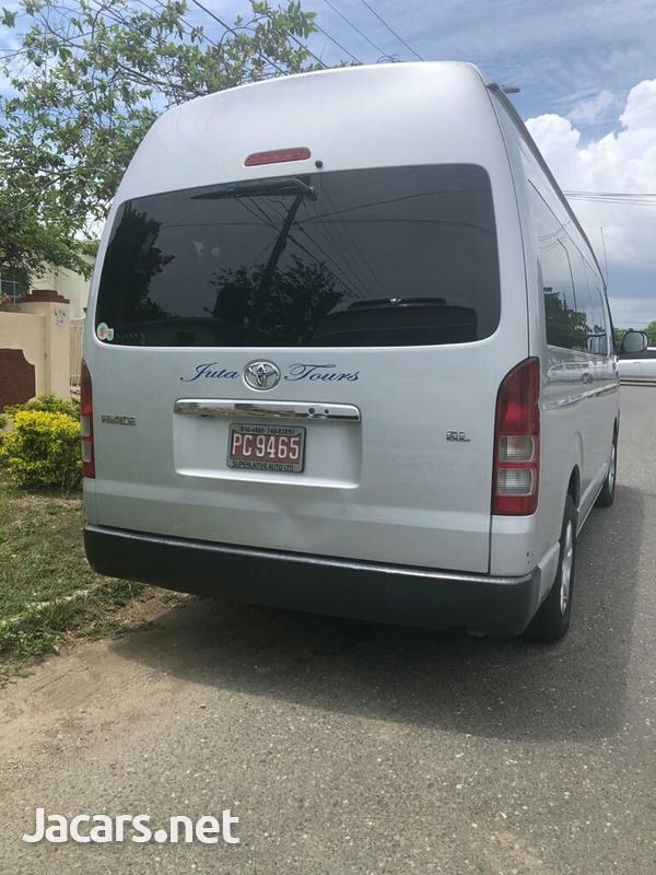 2016 Toyota Hiace Bus-2
