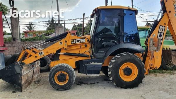 2010 JCB 3CX Tractor-2