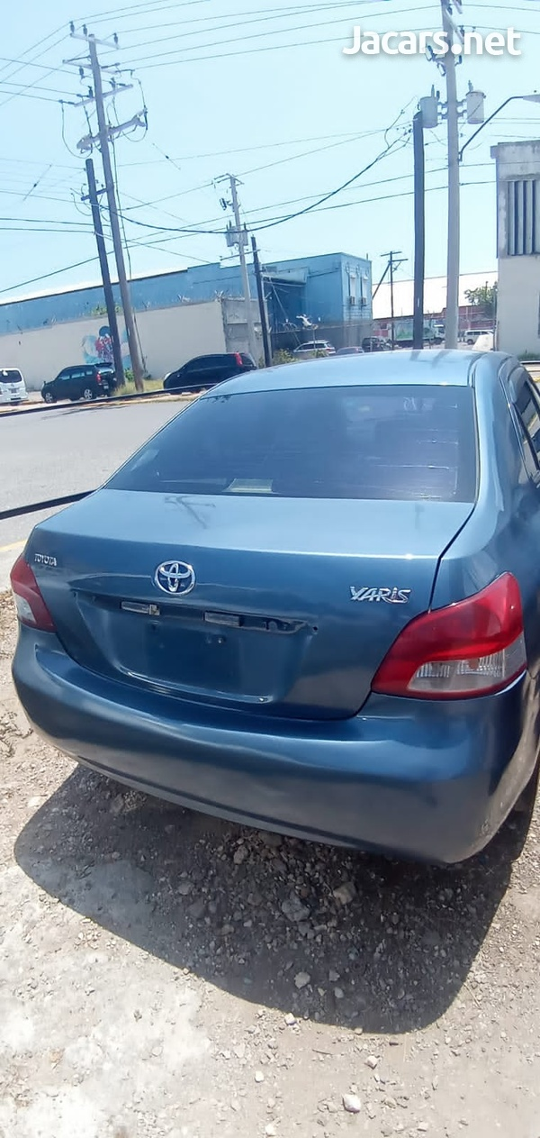 Toyota Yaris 1,6L 2010-3
