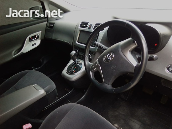 Toyota Mark X 2,0L 2010-5
