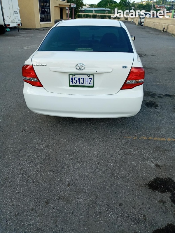 Toyota Axio 1,8L 2010-6