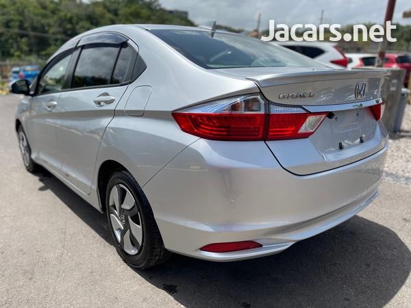 Honda Grace 1,4L 2015-6