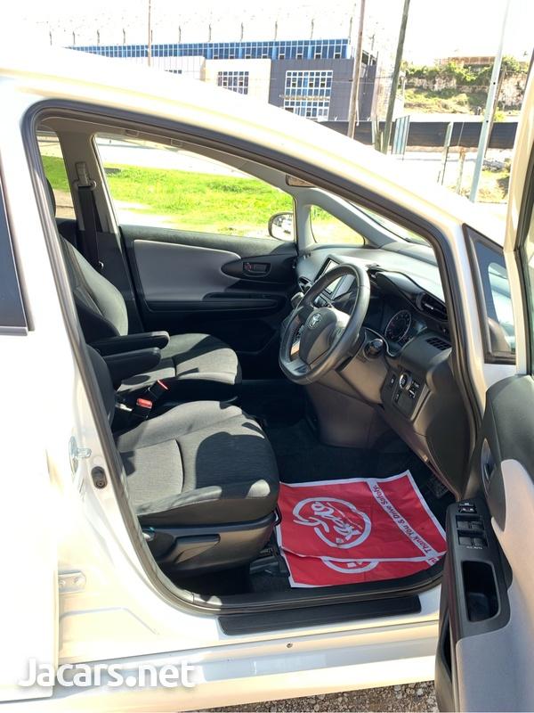 Toyota Wish 1,8L 2011-8