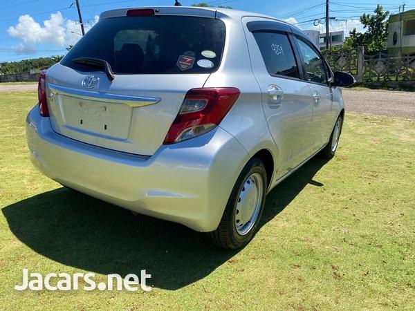 Toyota Vitz 1,3L 2016-8