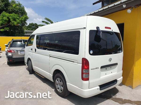 2011 Toyota Hiace Bus-3
