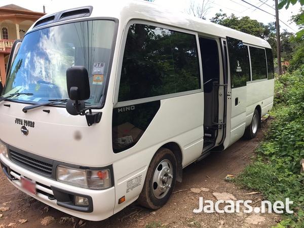 2007 Hino Bus-3