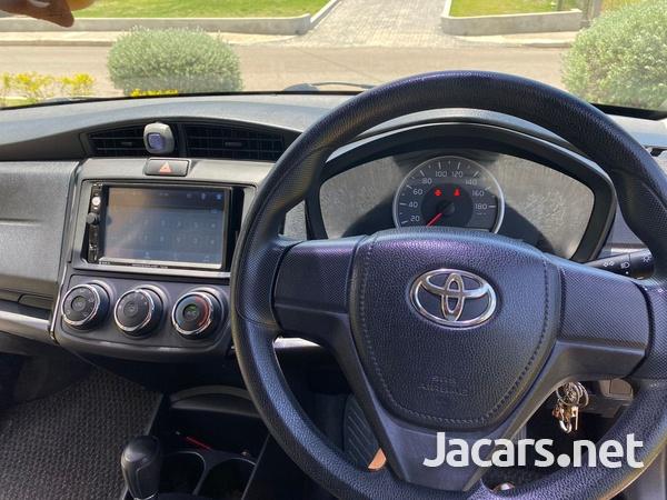 Toyota Axio 1,5L 2016-9